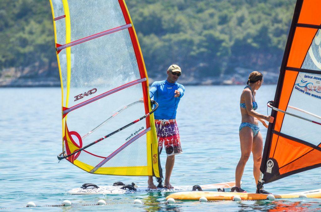 Tečajevi jedrenja na dasci Korčula Extreme